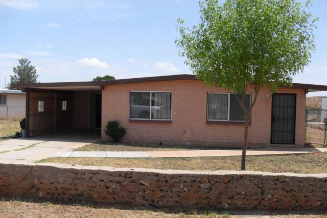 704 N Skyline Dr, Huachuca City, AZ 85616 (MLS #171382) :: Service First Realty