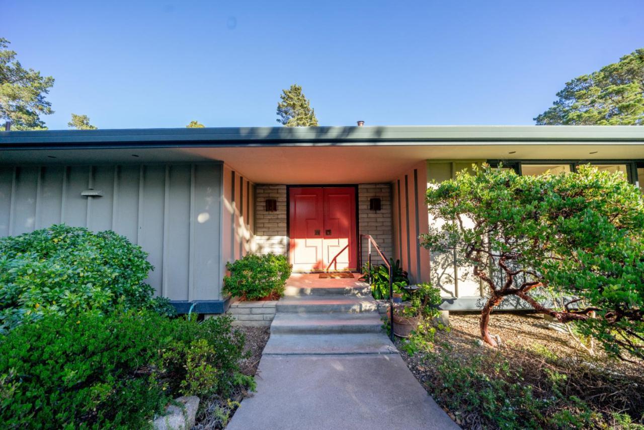 132 Del Mesa Carmel - Photo 1