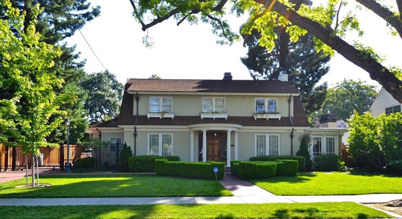 1532 Newport Ave - Photo 1
