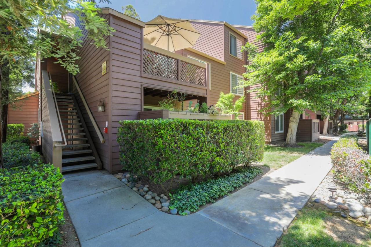 660 Teatree Ct - Photo 1