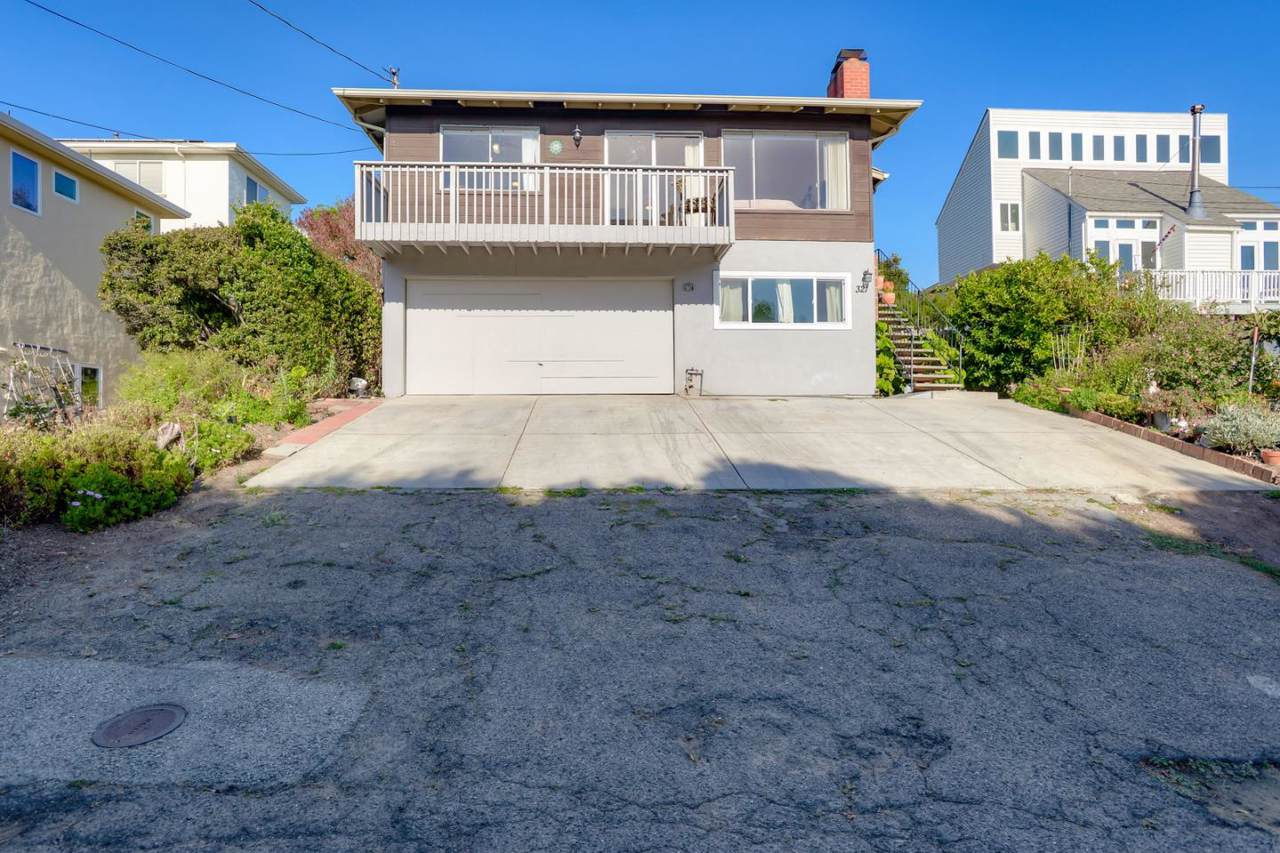 321 4th Ave - Photo 1