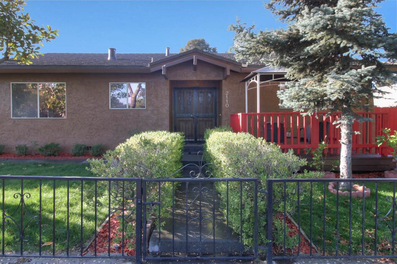 2110 Stanford Ave - Photo 1