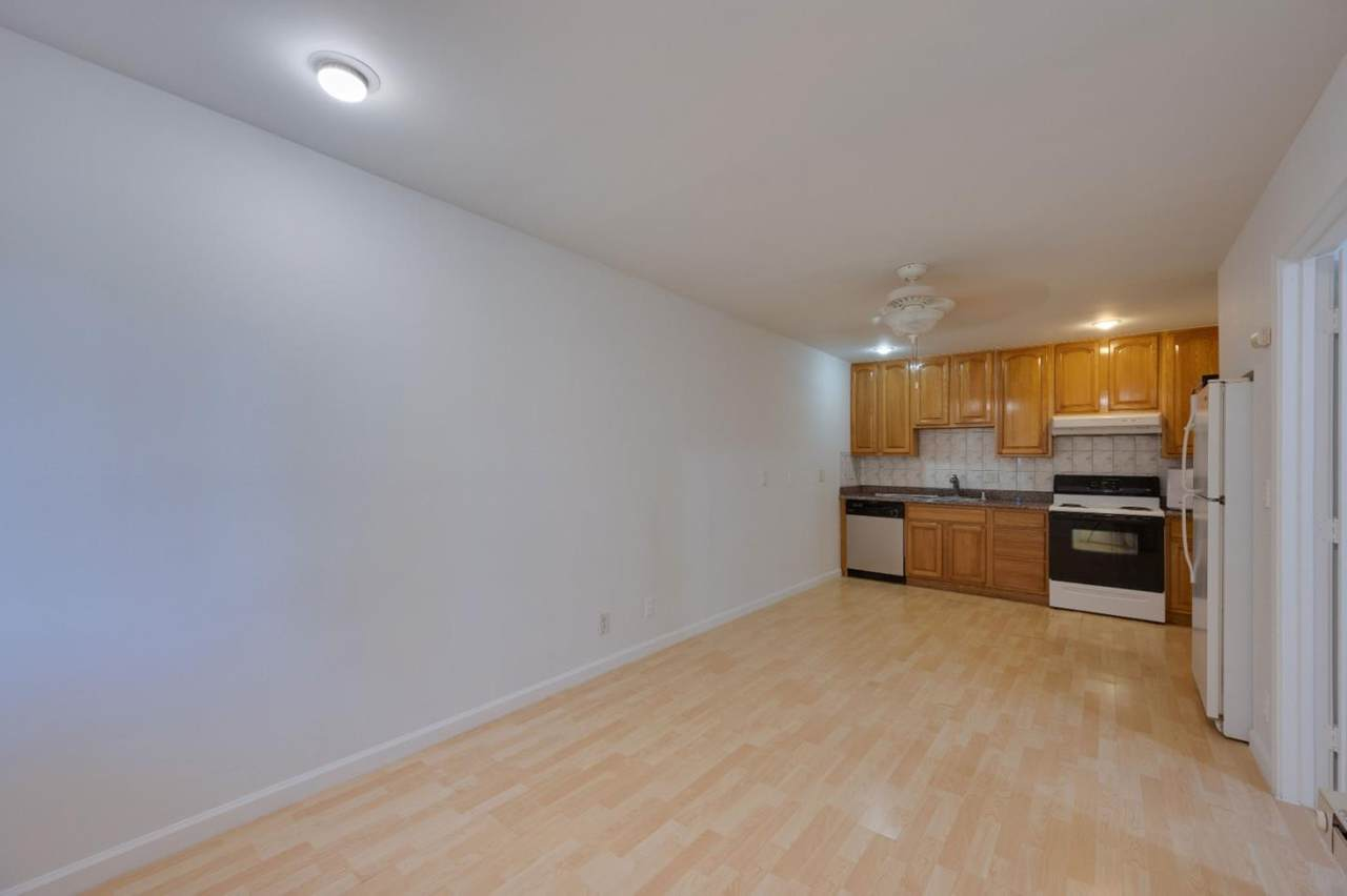 1126 Cherry Ave 80 - Photo 1