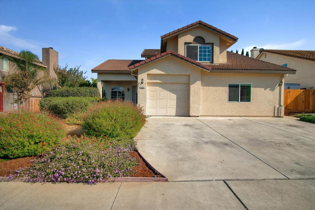 1071 Los Altos Dr - Photo 1