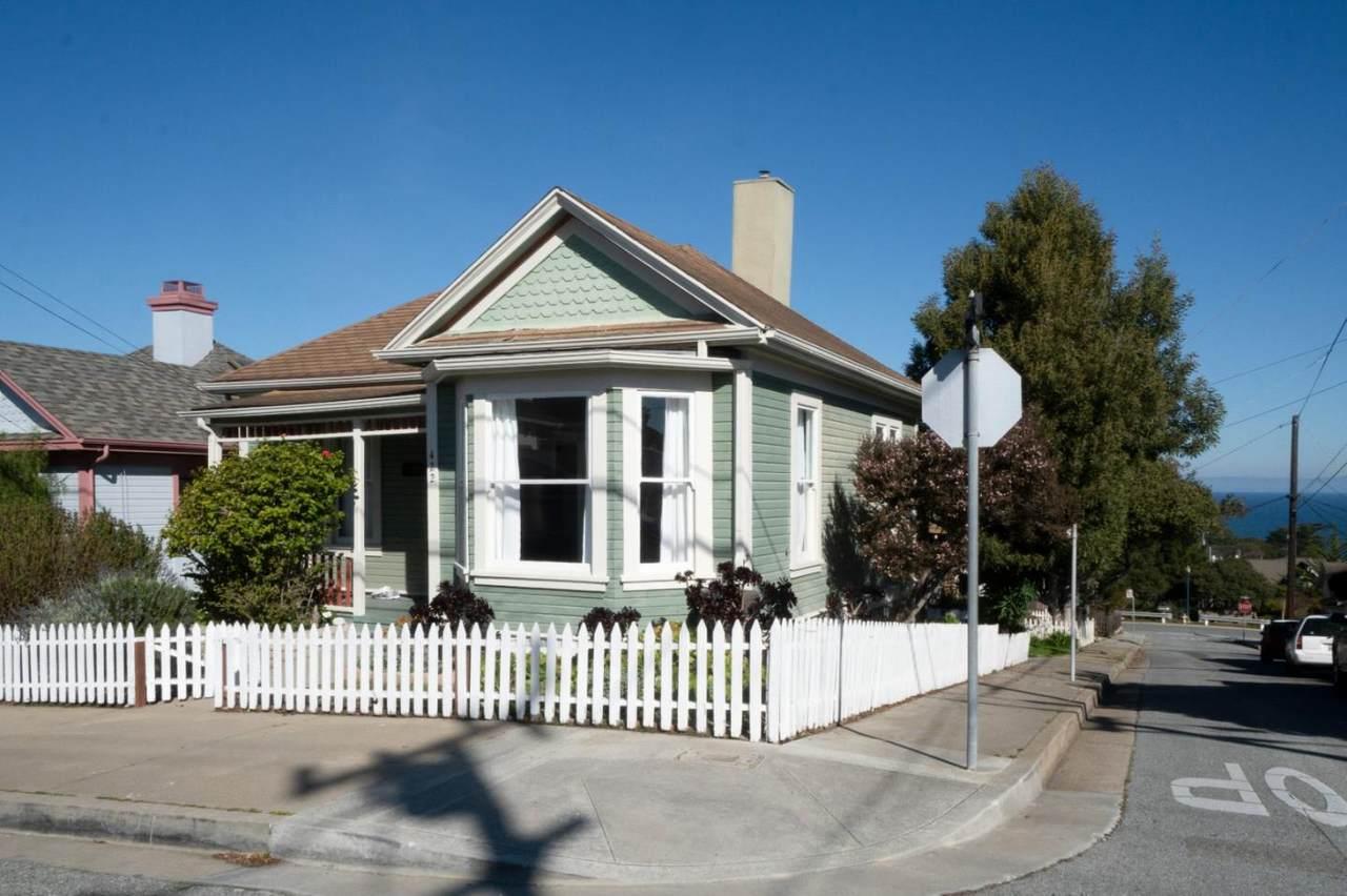 422 Laurel Ave - Photo 1
