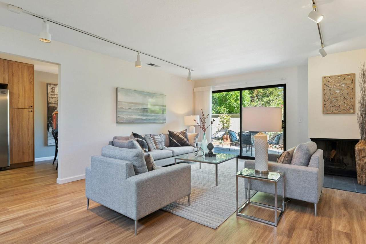 32 Peter Coutts Cir - Photo 1
