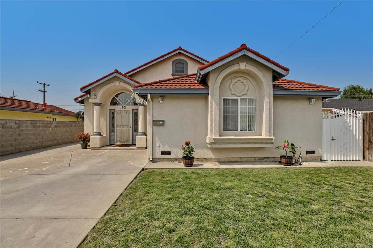1301 Cathay Dr - Photo 1