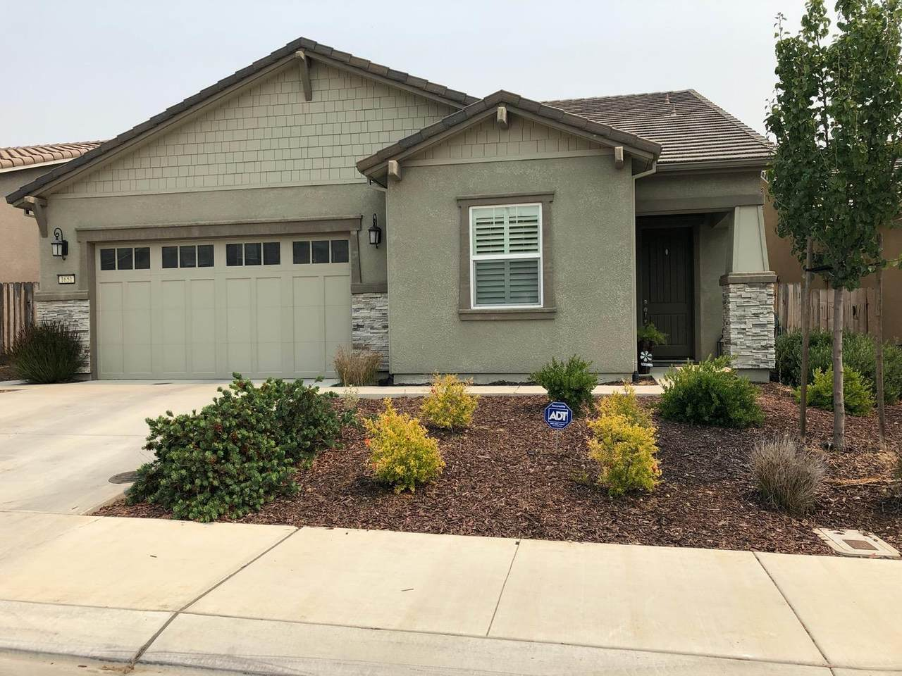1651 Lily Ct - Photo 1