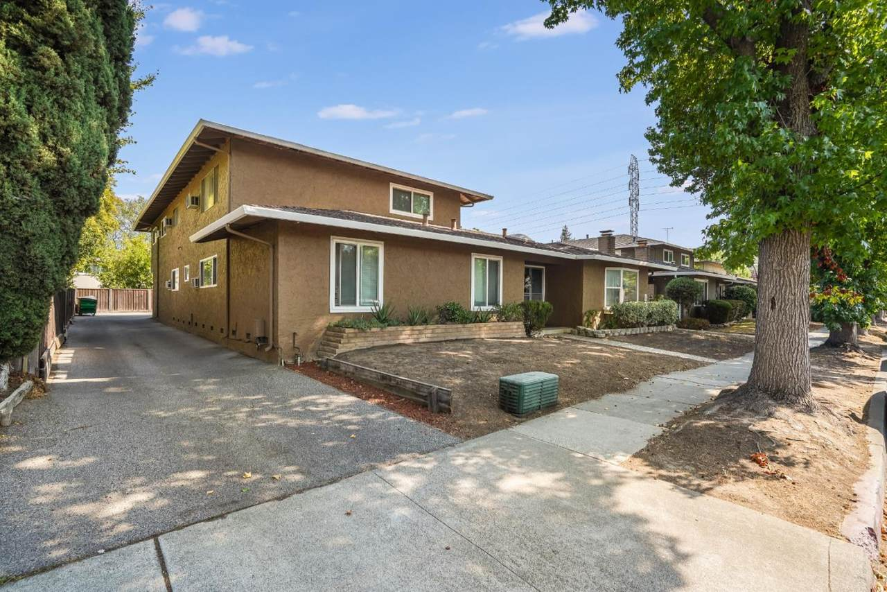 705 Valley Dr - Photo 1