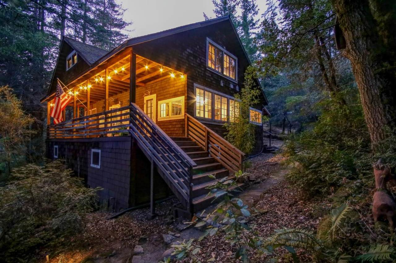 300 Wooded Way - Photo 1