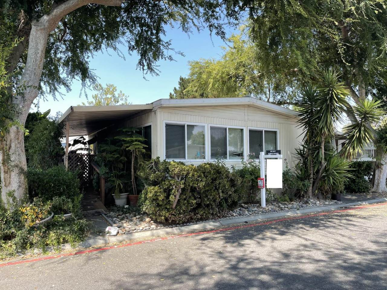 826 Spindrift Ave 826 - Photo 1
