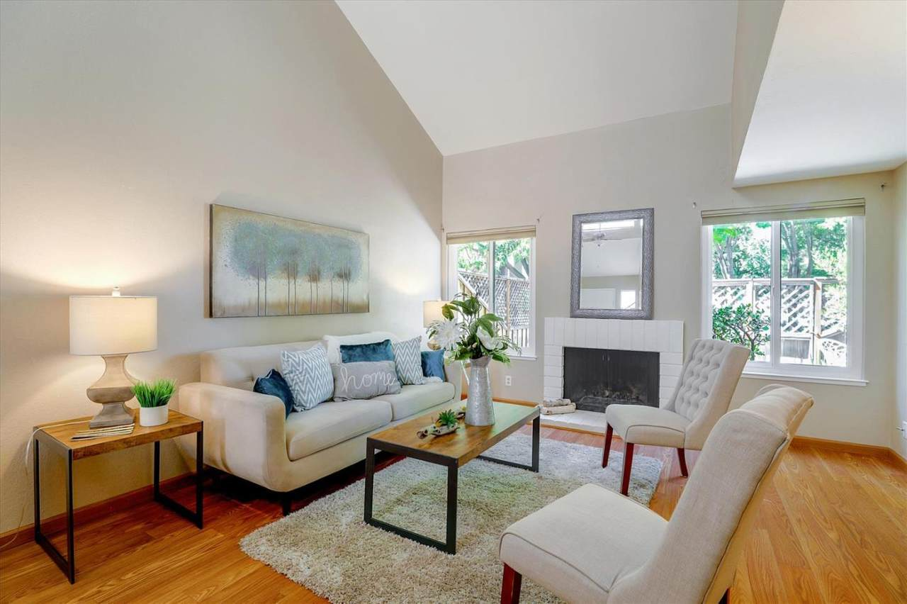 6645 Bunker Hill Ct - Photo 1