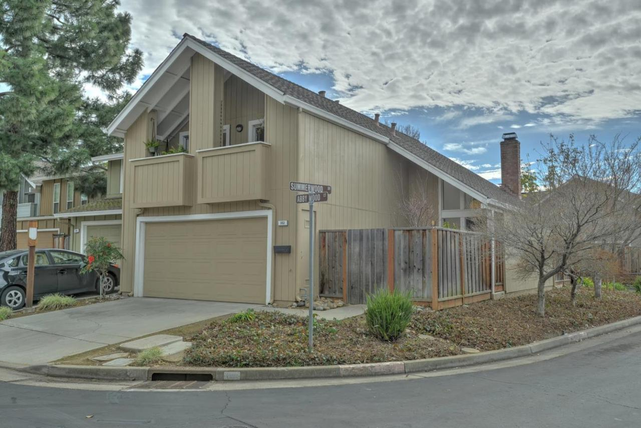 102 Abby Wood Ct, Los Gatos, CA 95032 (#ML81638032) :: The Goss Real Estate Group, Keller Williams Bay Area Estates