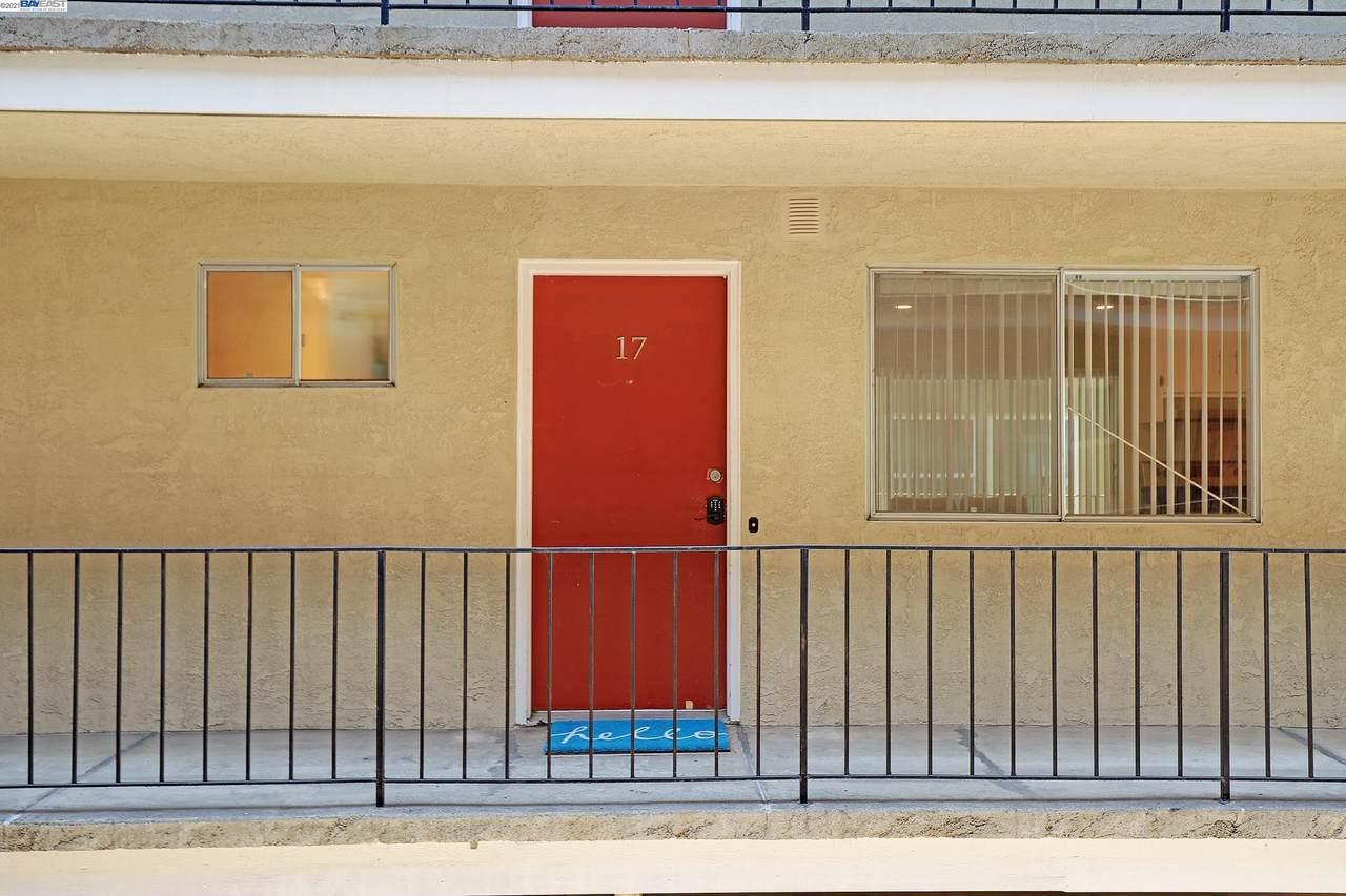 10 Moss Ave 17 - Photo 1