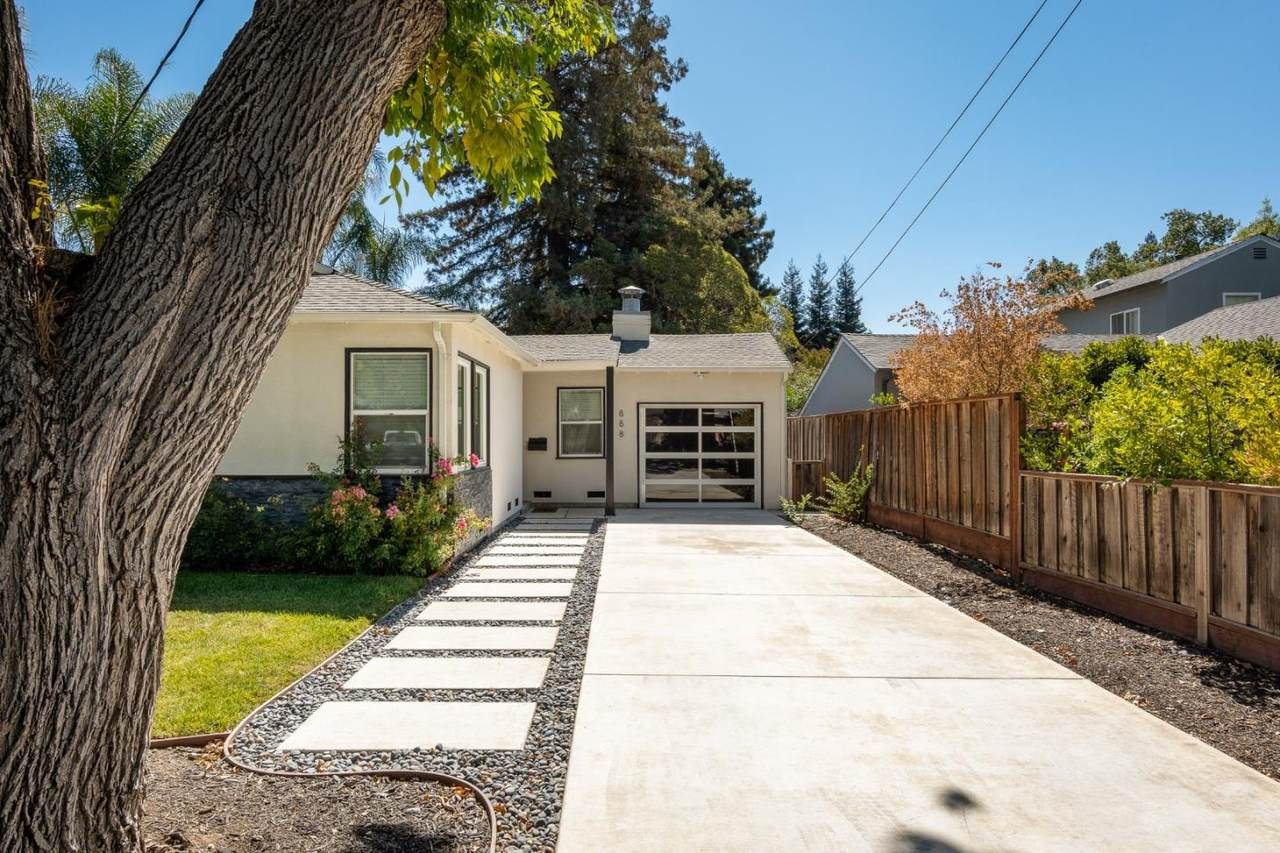888 15th Ave - Photo 1