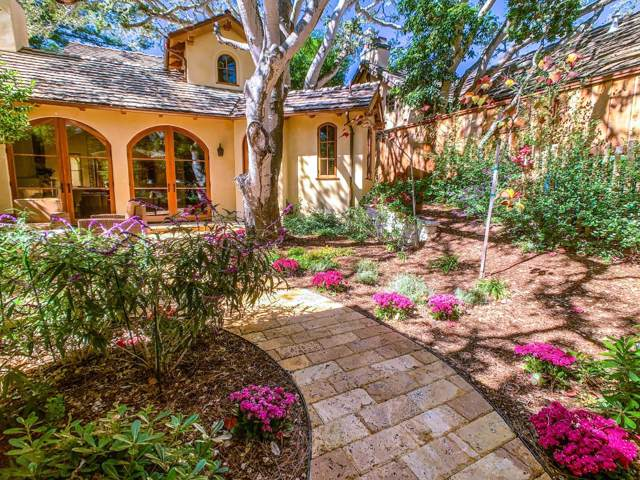 San Carlos 6Nw Santa Lucia St, Carmel, CA 93921 (#ML81731822) :: Intero Real Estate