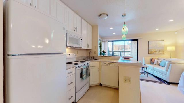 125 Surf Way 342, Monterey, CA 93940 (#ML81726912) :: The Kulda Real Estate Group
