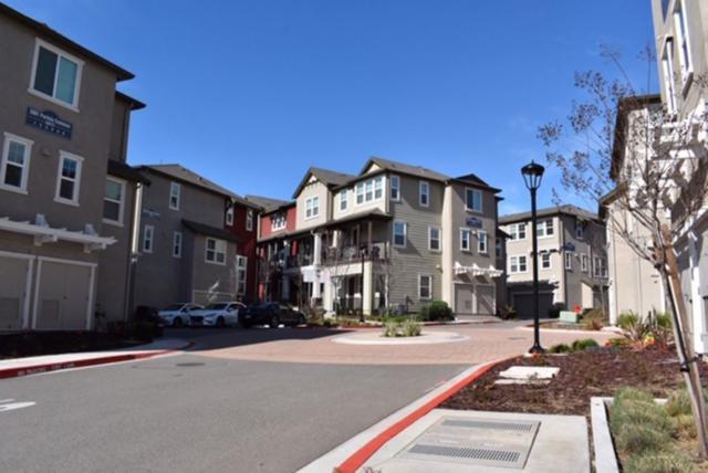 3909 Portola Common, Livermore, CA 94551 (#MR40853328) :: Brett Jennings Real Estate Experts