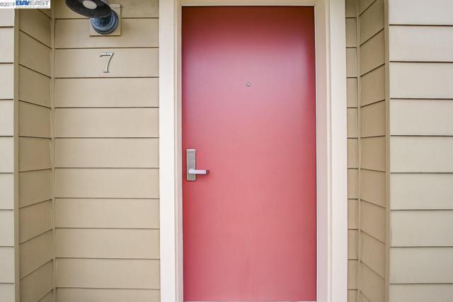 1565 32Nd St, Oakland, CA 94608 (#BE40853464) :: Strock Real Estate