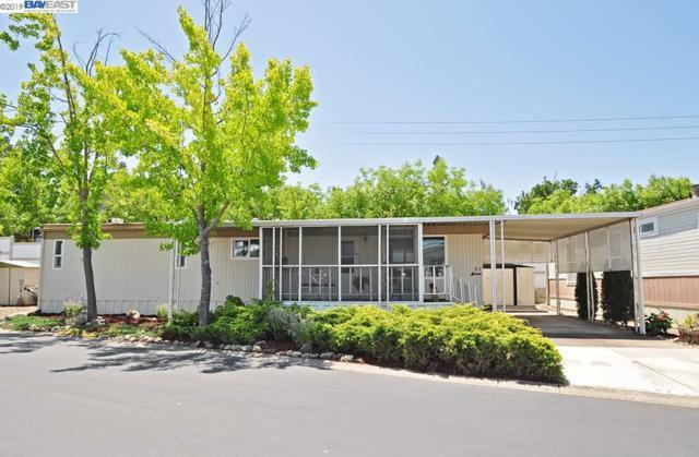 3263 Vineyard, Pleasanton, CA 94566 (#BE40871624) :: Strock Real Estate
