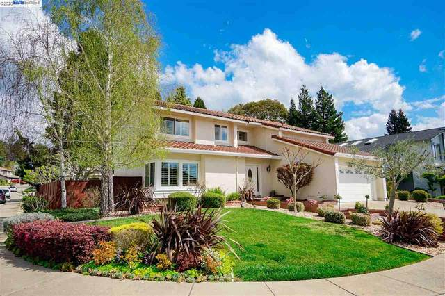 16590 Columbia Dr, Castro Valley, CA 94552 (#BE40900585) :: Live Play Silicon Valley