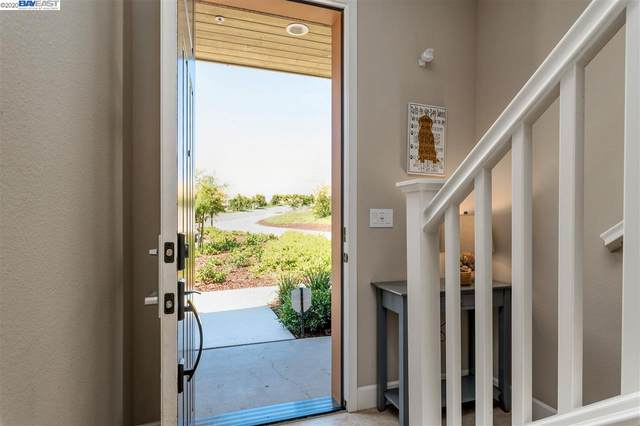 897 Tranquility Cir 4, Livermore, CA 94551 (#BE40910866) :: Strock Real Estate