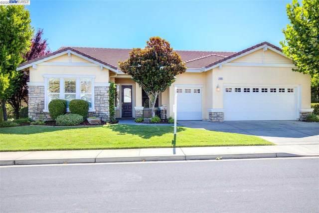 930 Centennial Dr, Brentwood, CA 94513 (#BE40916009) :: Alex Brant Properties