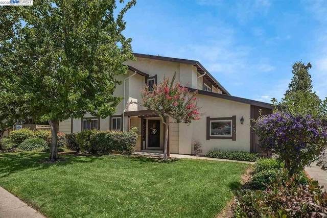 2930 Lake Chabot Ln, Castro Valley, CA 94546 (#BE40916461) :: Real Estate Experts