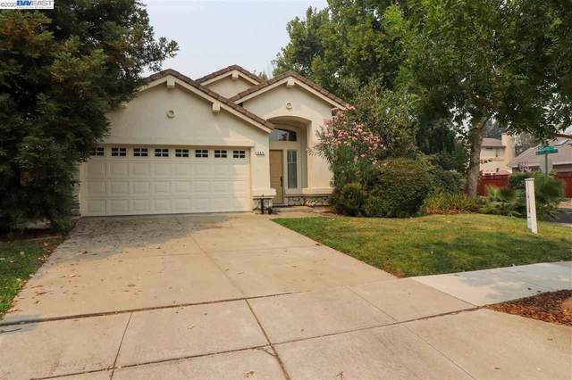 483 Apple Hill Dr, Brentwood, CA 94513 (#BE40917586) :: Alex Brant