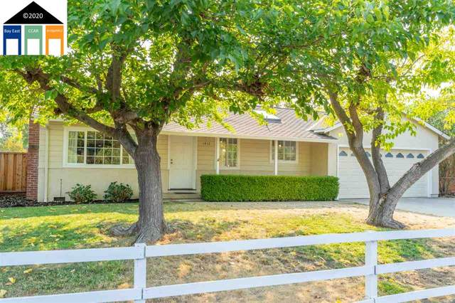 1418 Rosal Lane, Concord, CA 94521 (#MR40924645) :: The Realty Society