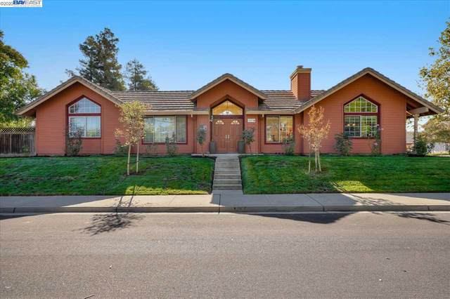 4593 Maureen Cir, Livermore, CA 94550 (#BE40923889) :: The Realty Society