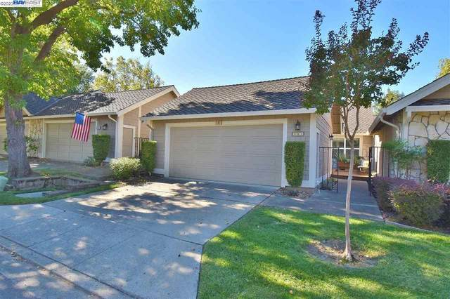 543 Silver Lake Dr, Danville, CA 94526 (#BE40925629) :: The Realty Society