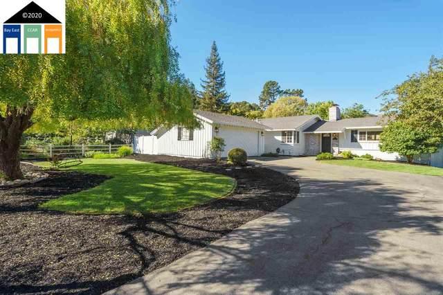 44 El Camino Moraga, Orinda, CA 94563 (#MR40926235) :: Strock Real Estate