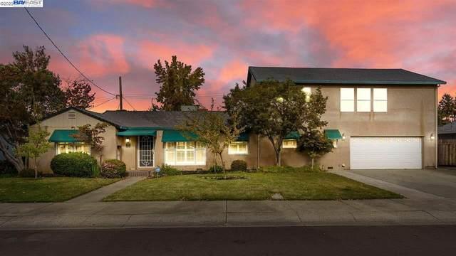 1401 Lake Street, Lodi, CA 95242 (#BE40929239) :: Olga Golovko