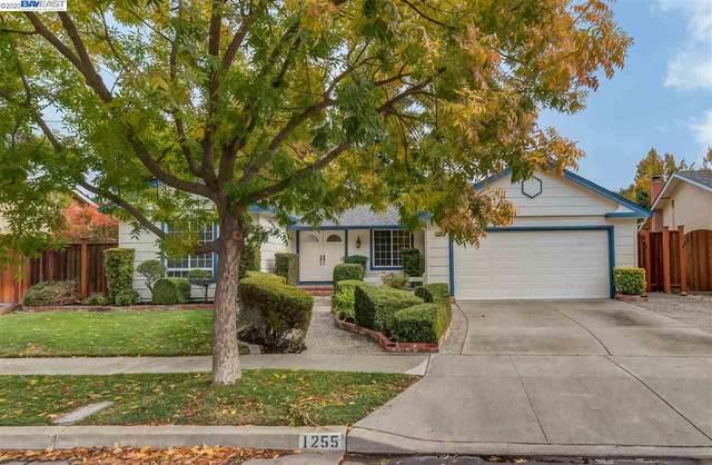 1255 Greenwood Road, Pleasanton, CA 94566 (#BE40930068) :: The Realty Society