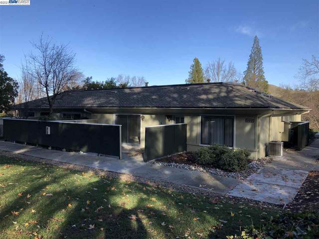 2223 Tice Creek Dr. 4, Walnut Creek, CA 94592 (#BE40932996) :: Real Estate Experts