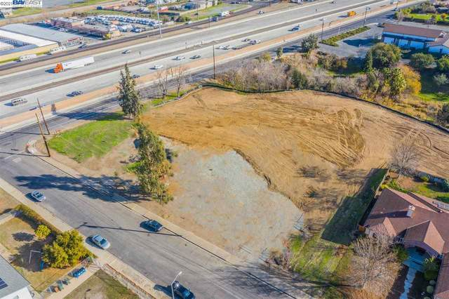 2709 Windsor Dr, Antioch, CA 94509 (#BE40933937) :: Schneider Estates
