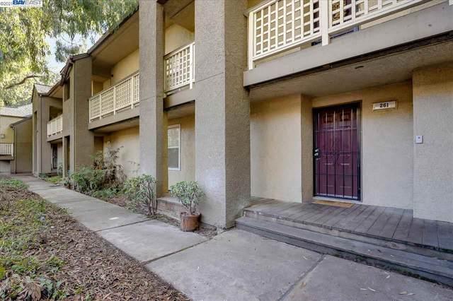 680 Dartmore Ln 261, Hayward, CA 94544 (#BE40933931) :: Real Estate Experts