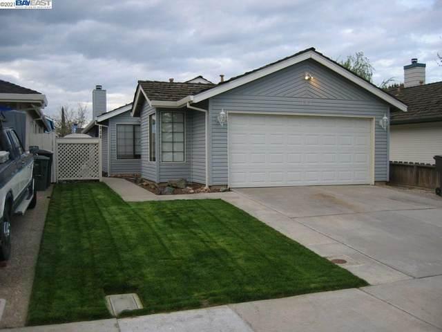 195 W Clover Rd, Tracy, CA 95376 (#BE40934136) :: Schneider Estates
