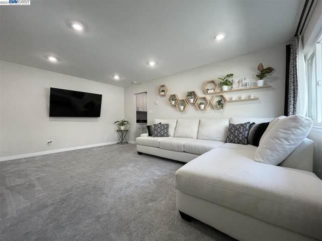 3877 Howe St 208, Oakland, CA 94611 (#BE40934177) :: Schneider Estates