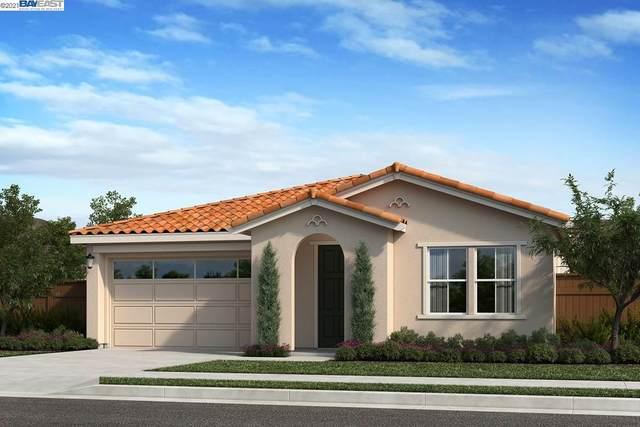 704 Huffaker, Oakley, CA 94561 (#BE40935312) :: Schneider Estates