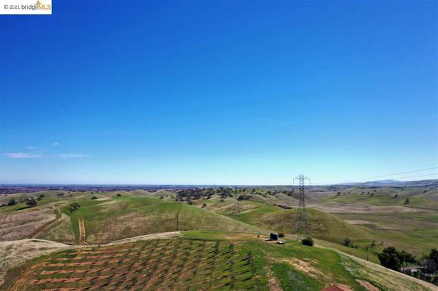 9375 Deer Valley Rd, Brentwood, CA 94513 (#EB40938748) :: Intero Real Estate