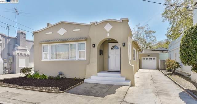 927 Saint James Ct, Hayward, CA 94541 (#BE40945228) :: The Gilmartin Group