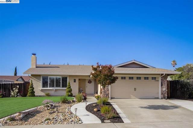 2422 Wellingham Dr, Livermore, CA 94551 (MLS #BE40946089) :: Compass