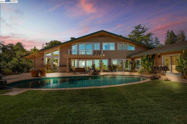 180 Brookwood, Woodside, CA 94602 (#BE40948992) :: The Realty Society