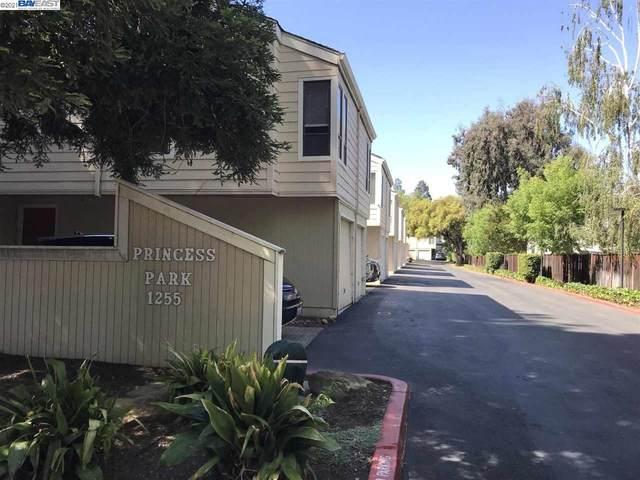 1255 Detroit Ave 2, Concord, CA 94520 (#BE40949122) :: Schneider Estates