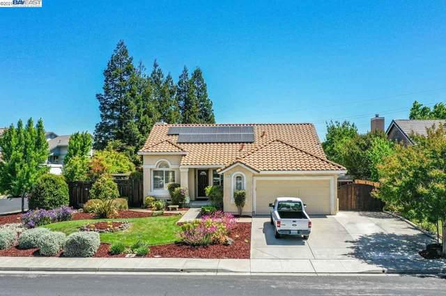 914 Marcella St, Livermore, CA 94550 (#BE40949756) :: Schneider Estates