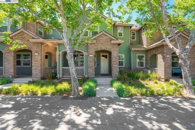 1053 Catalina Dr, Livermore, CA 94550 (#BE40950214) :: The Gilmartin Group