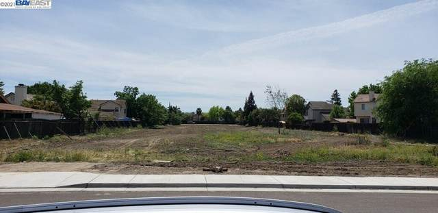 302 W Mt. Diablo Ave, Tracy, CA 95376 (#BE40954289) :: The Gilmartin Group