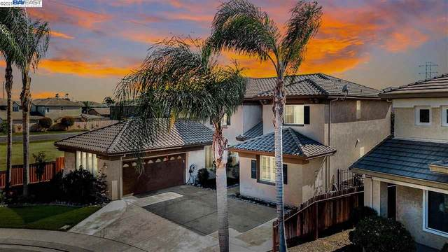 5201 Equine Court, Riverbank, CA 95367 (#BE40955594) :: Schneider Estates